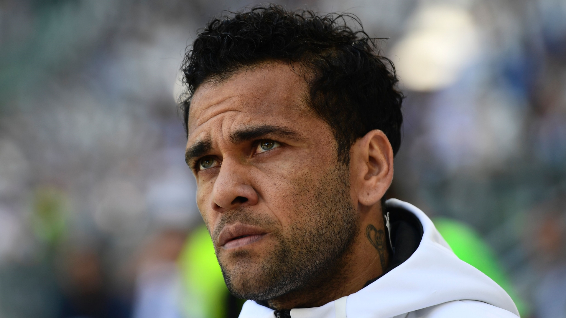 Dani Alves attacca Maradona