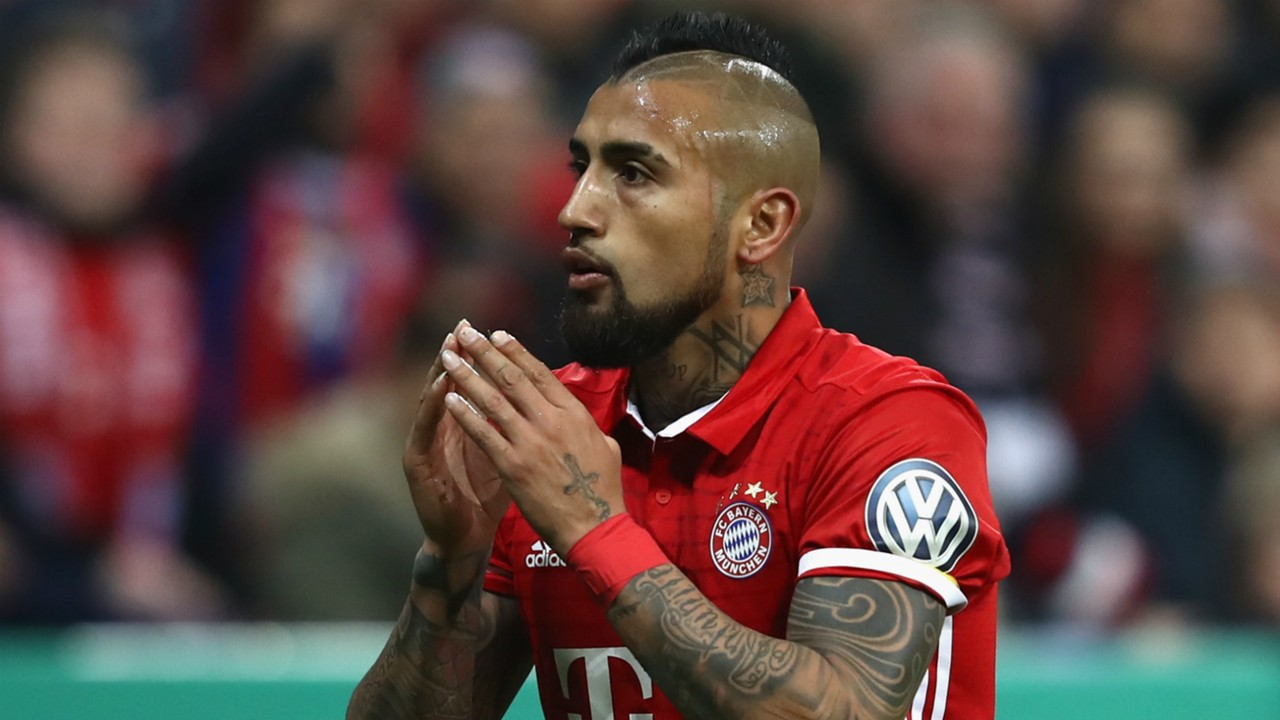 Arturo are you the mother Vidal confuses fans after posting