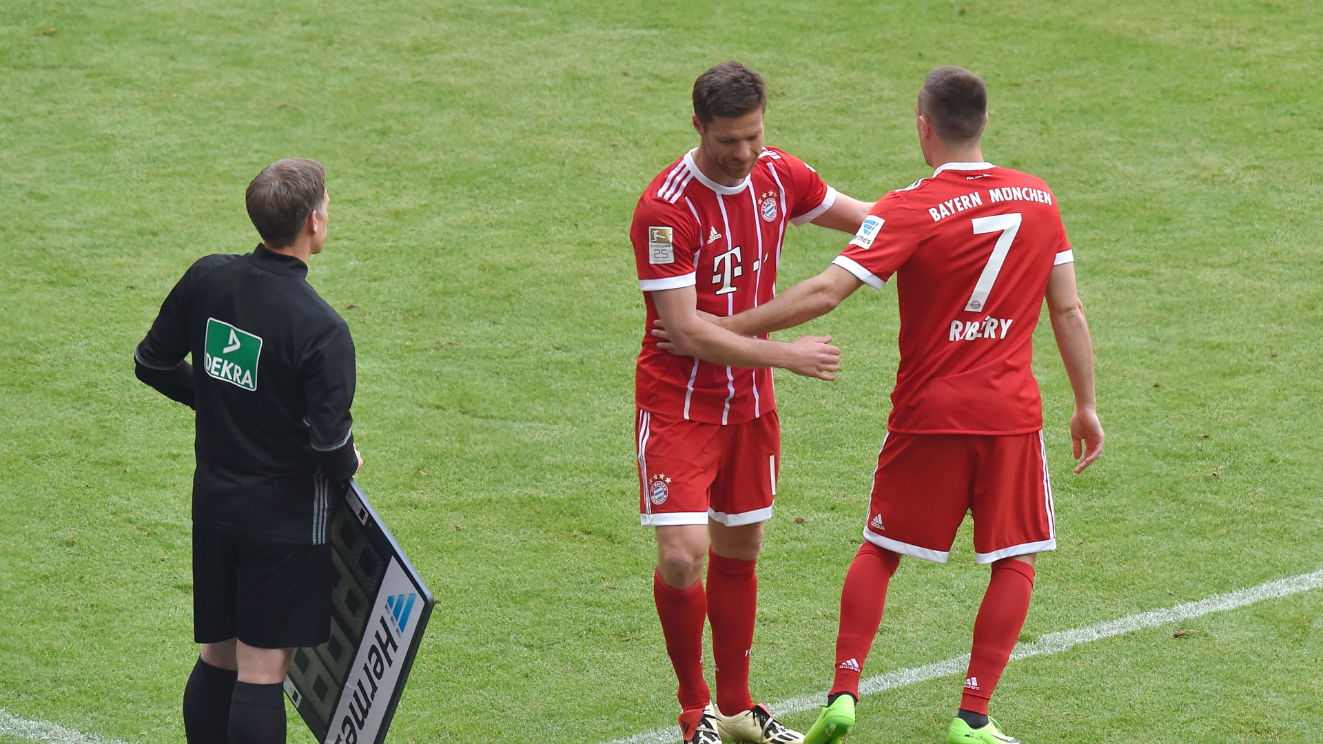 Auswechslung Ribery Alonso FC Bayern 2017