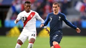 Antoine Griezmann Pedro Aquino France Peru World Cup 2018 21062018