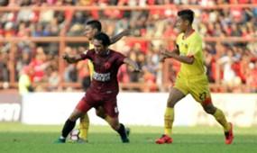 Syamsul Chaeruddin - PSM Makassar & Indra Kahfi - Bhayangkara FC