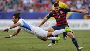 Kelyn Rowe Daniel Cadena Nicaragua USA Gold Cup