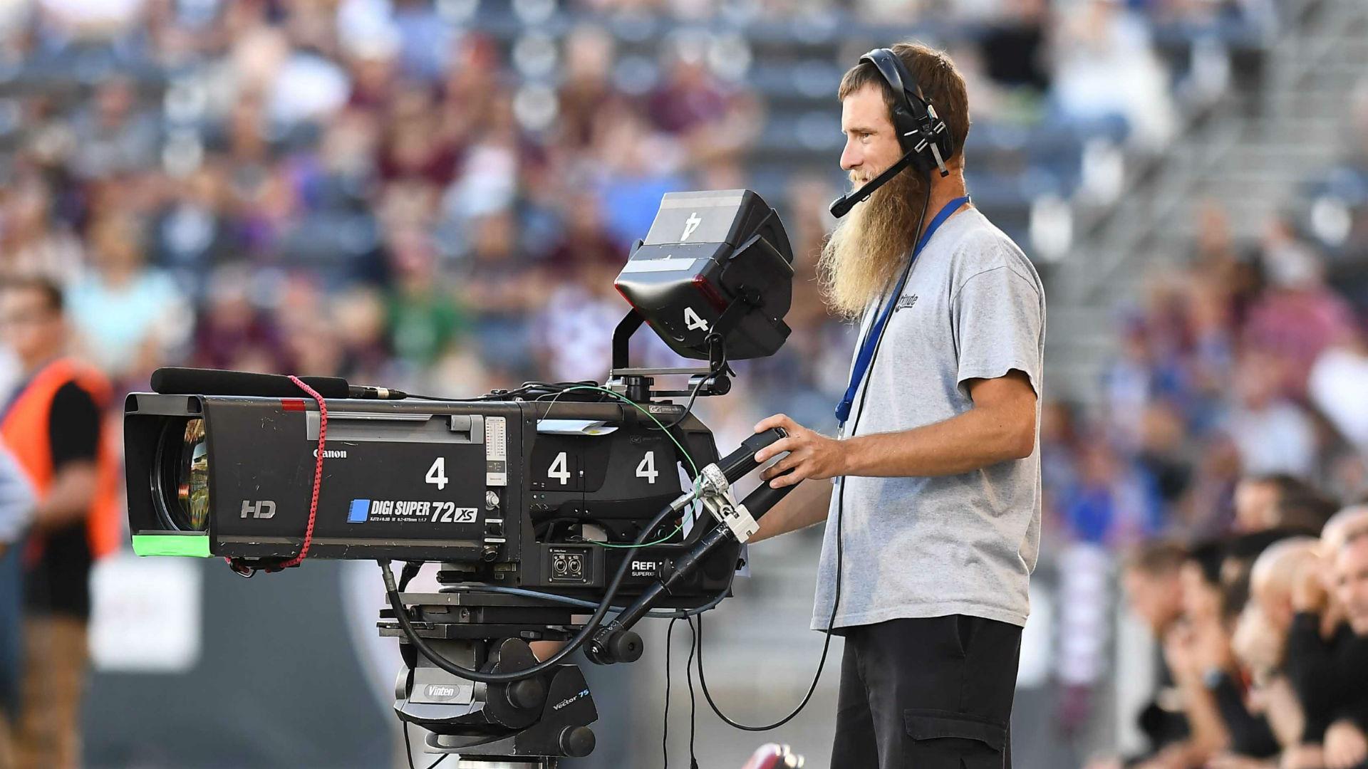 Broadcast camera MLS