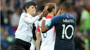 pitch invader croatia france kylian mbappe wc final 15072018