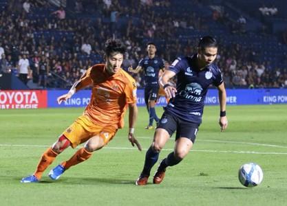 Image result for ชาช่ารัวแฮททริกบุรีรัมย์แซงสุโขทัย 5-2 ขยับใกล้แชมป์ไทยลีก