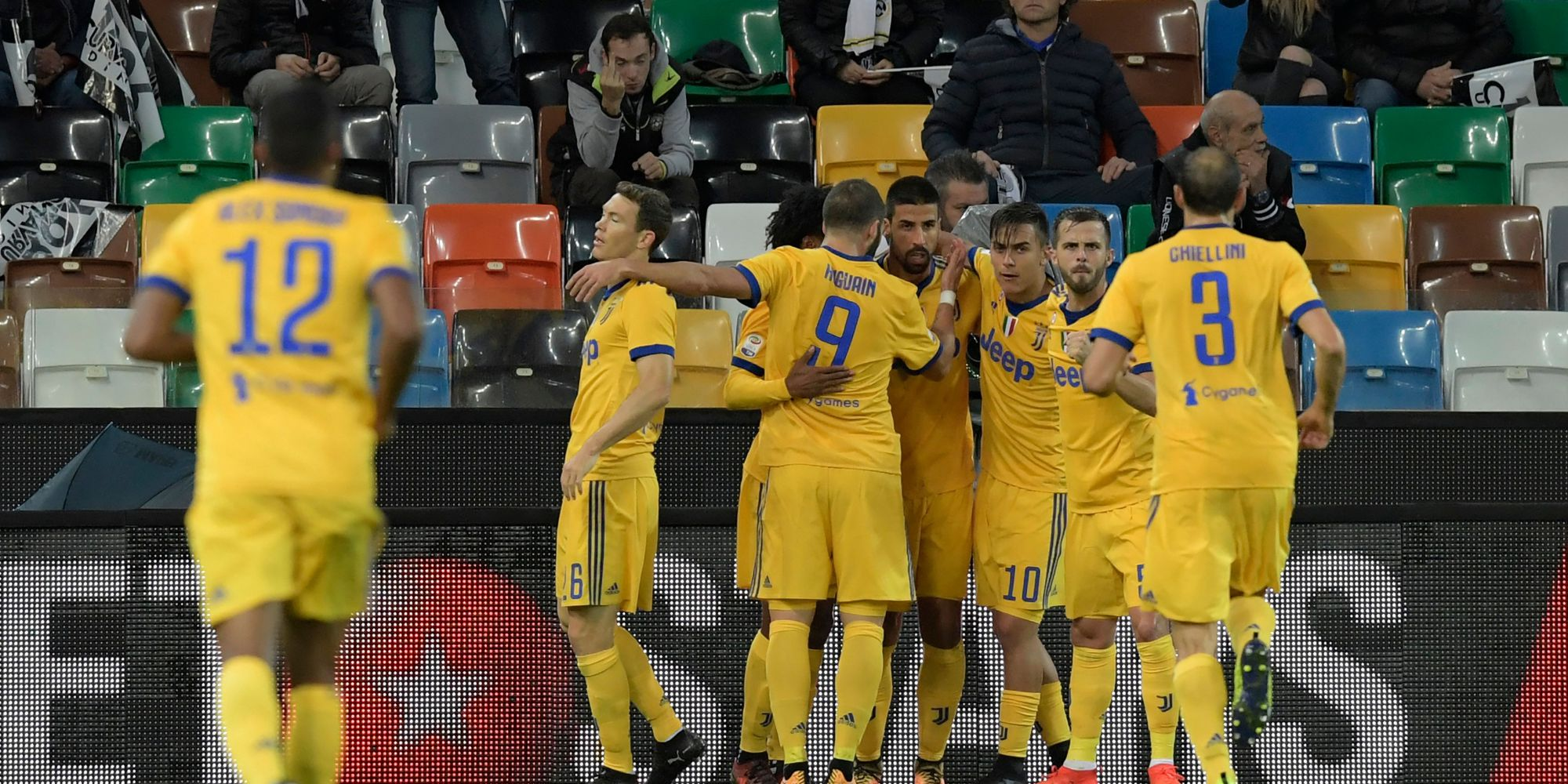 Juventus players celebrating Udinese Juventus Serie A