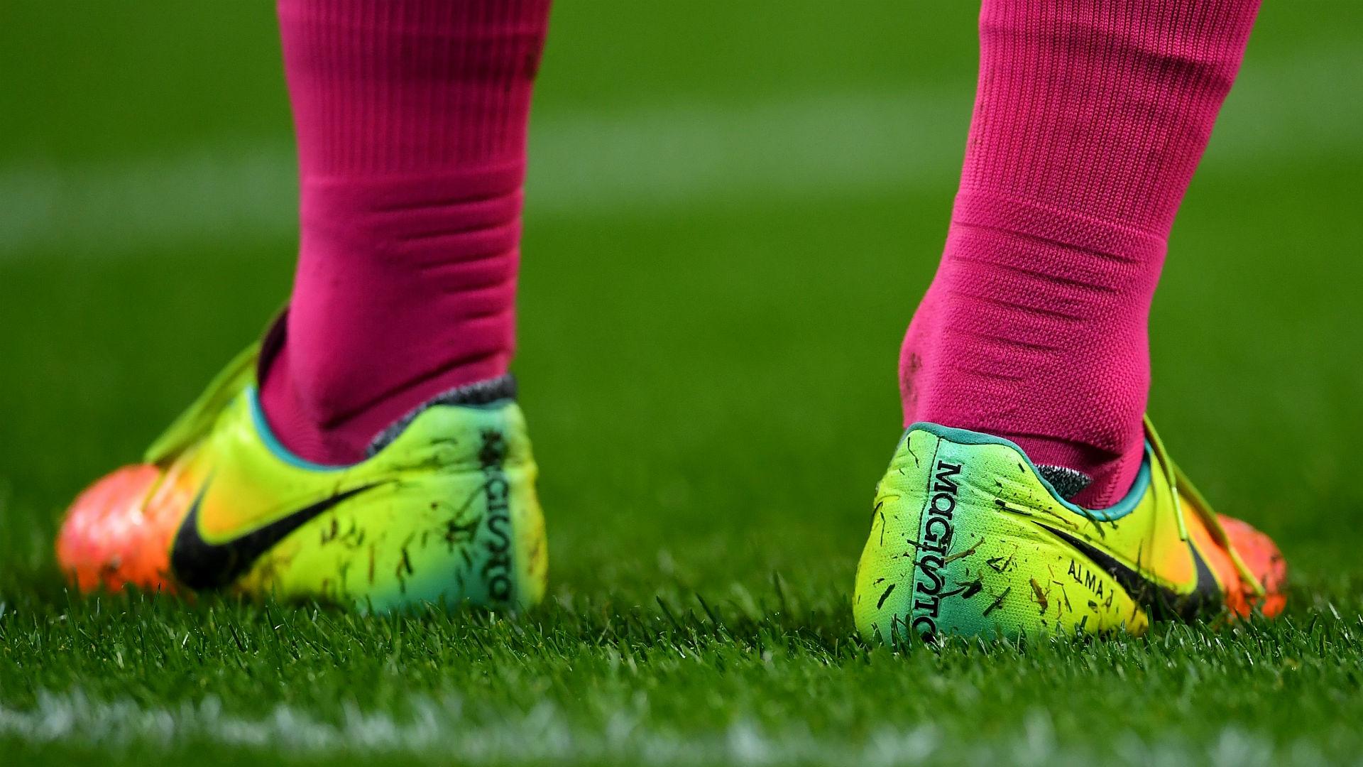 Nike boots Javier Mascherano Barcelona Man City 2016