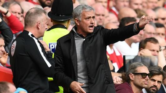 Jose Mourinho referee fourth official