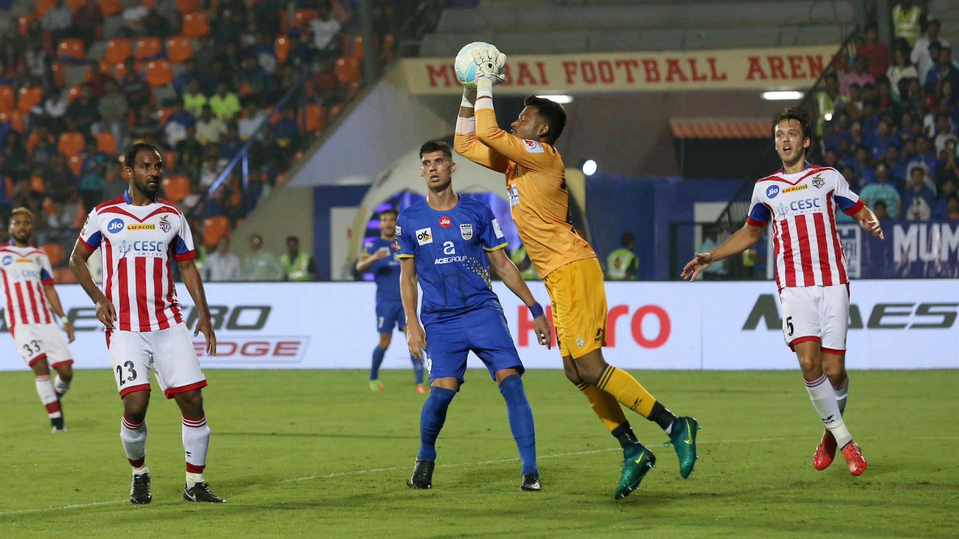 Debjit Majumder Mumbai City ATK ISL 4 12172017