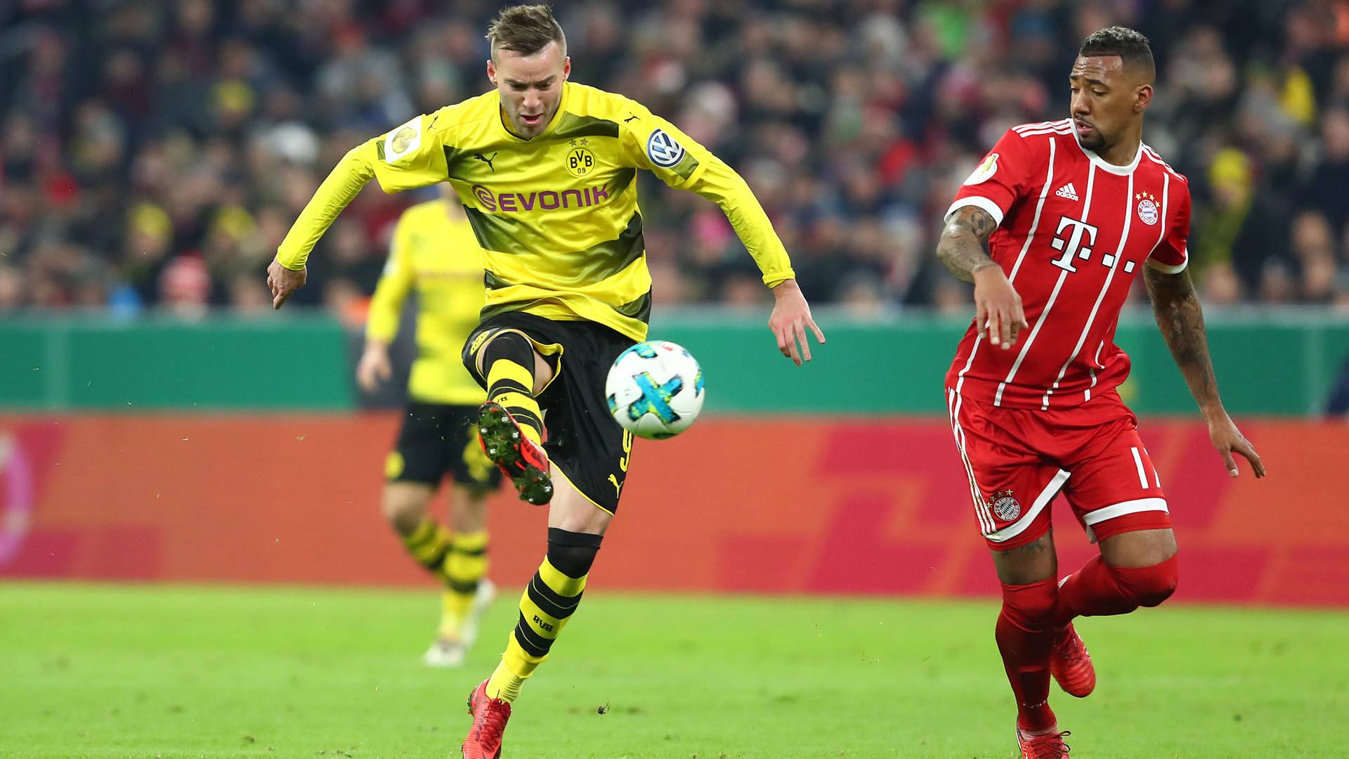 Andriy Yarmolenko Borussia Dortmund Jerome Boateng DFB Pokal 1217