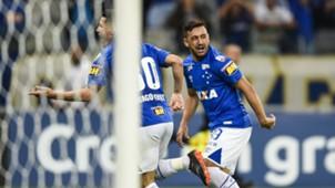 Thiago Neves Robinho Cruzeiro Racing Copa Libertadores 22052018