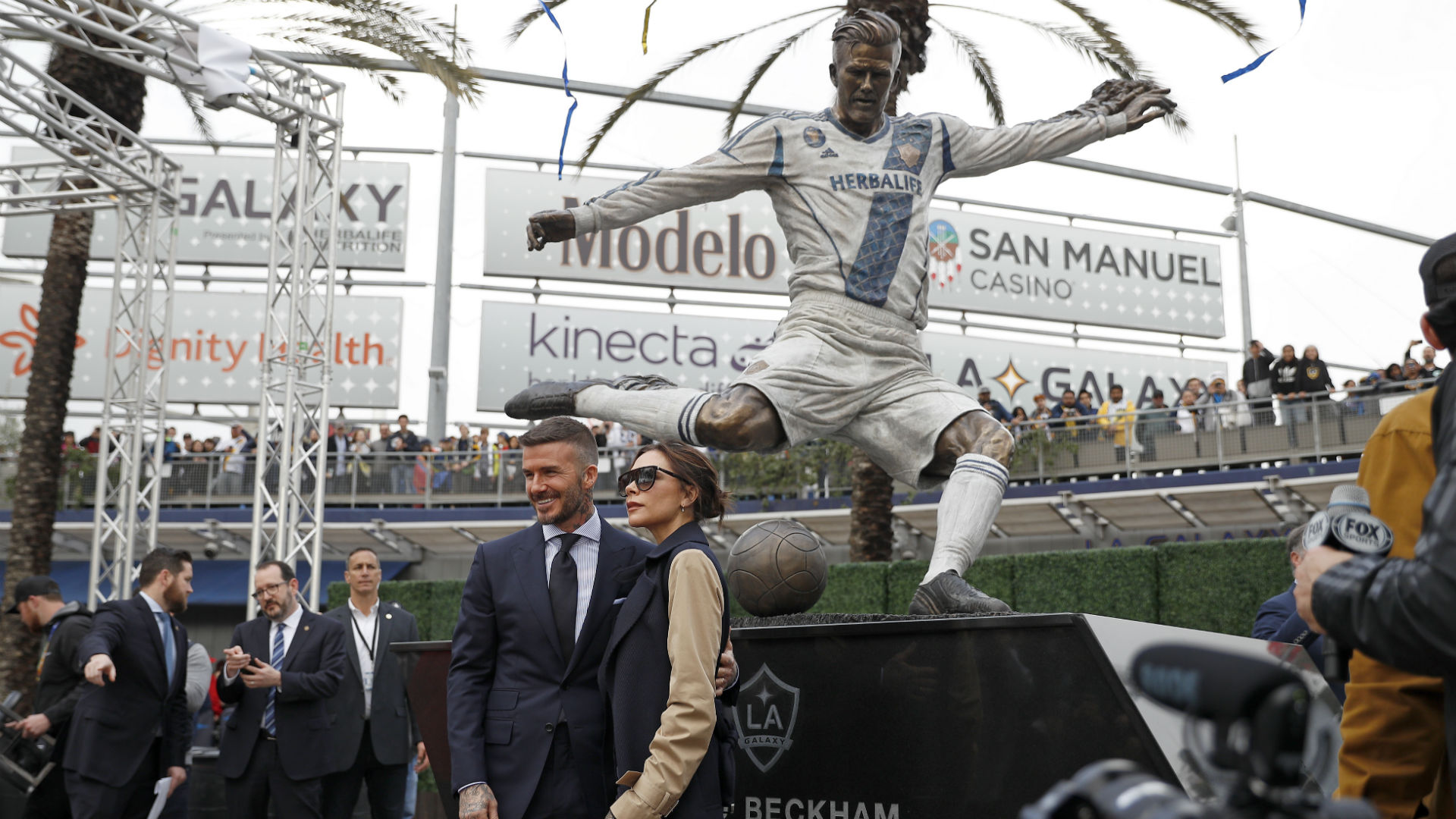 David Beckham statue unveiled by LA Galaxy ahead of MLS season opener