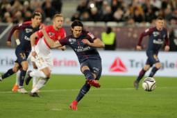 Edinson Cavani : Paris Saint-Germain v AS Monaco