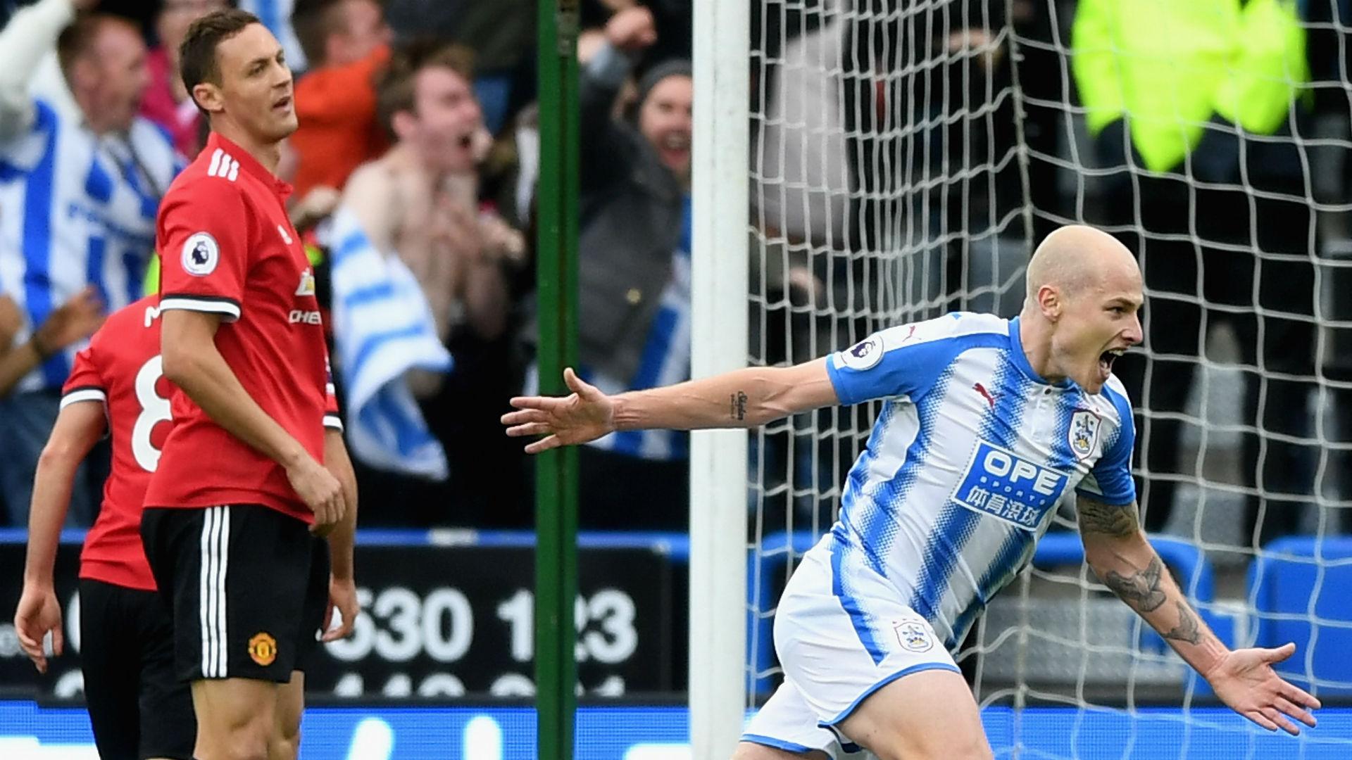 Nemanja Matic Manchester United Aaron Mooy Huddersfield