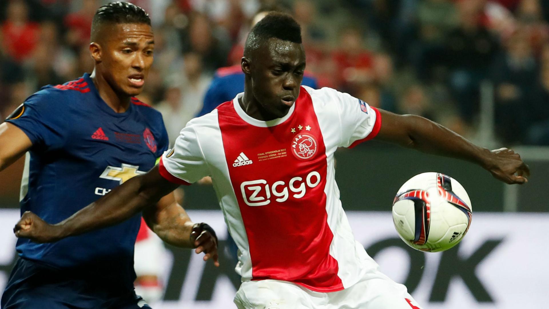 Tottenham Hotspur se interesa en el colombiano Davinson Sánchez