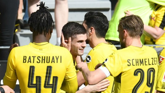 Christian Pulisic Borussia Dortmund celebration Stuttgart