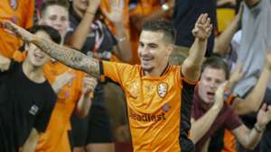 Jamie Maclaren Brisbane Roar A-League 032517