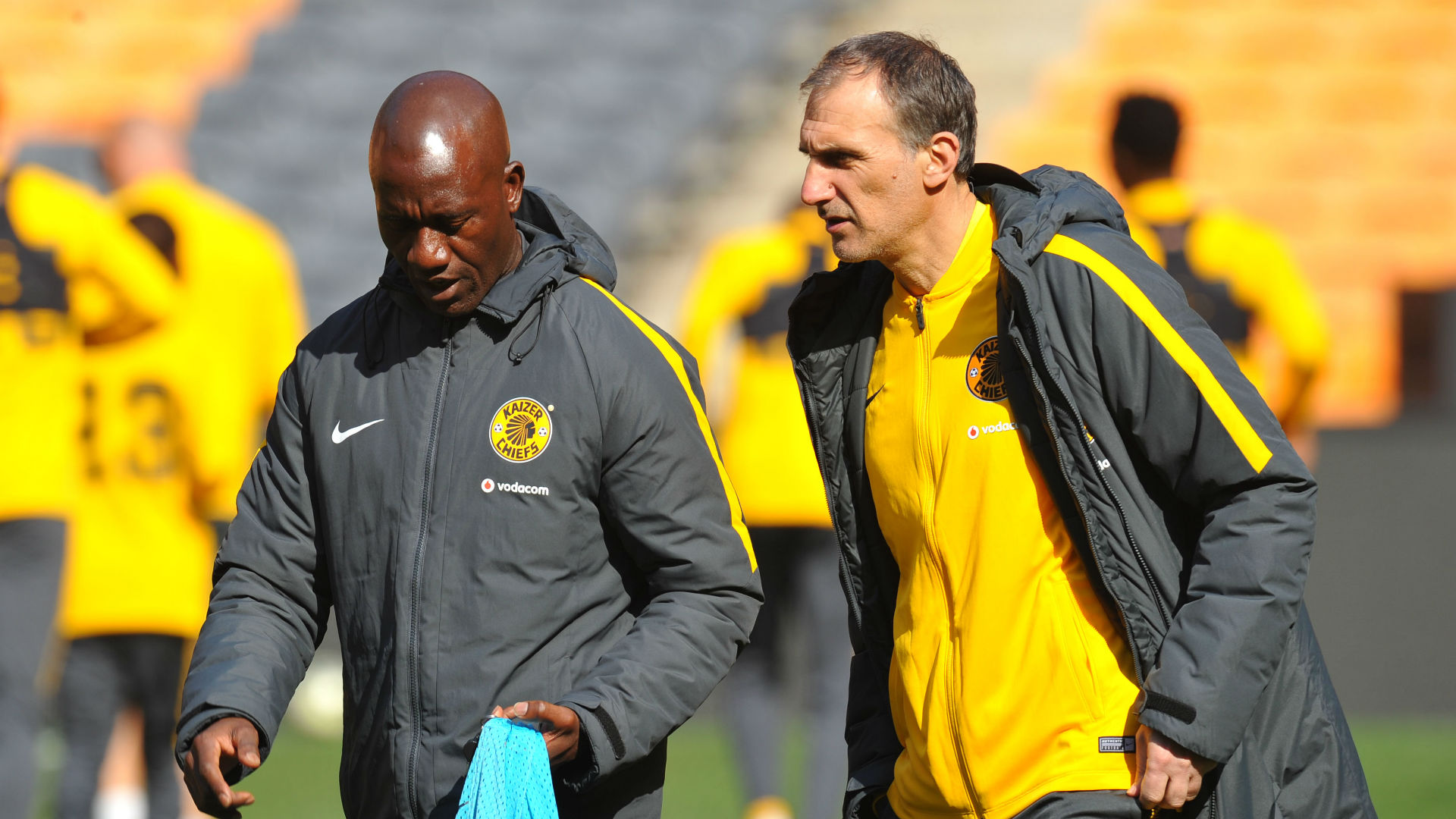 Siphiwe Tshabalala: Kaizer Chiefs players need to respect and support Giovanni Solinas