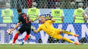 josip pivaric kasper schmeichel - croatia denmark - world cup 2018