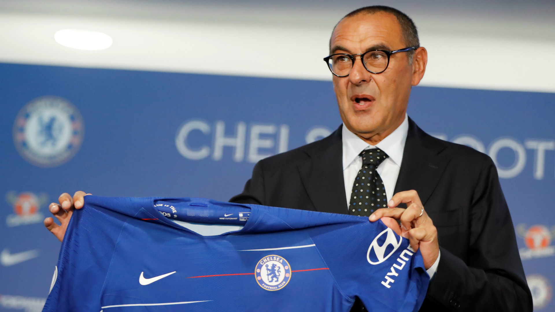 Former Napoli manager Sarri replaces Conte at Chelsea