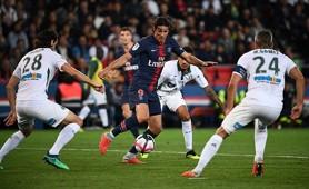 PSG Saint Etienne Gomis