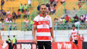 Peter Odemwingie - Madura United