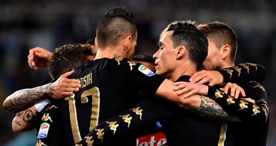 Napoli players celebrating Lazio Napoli Serie A