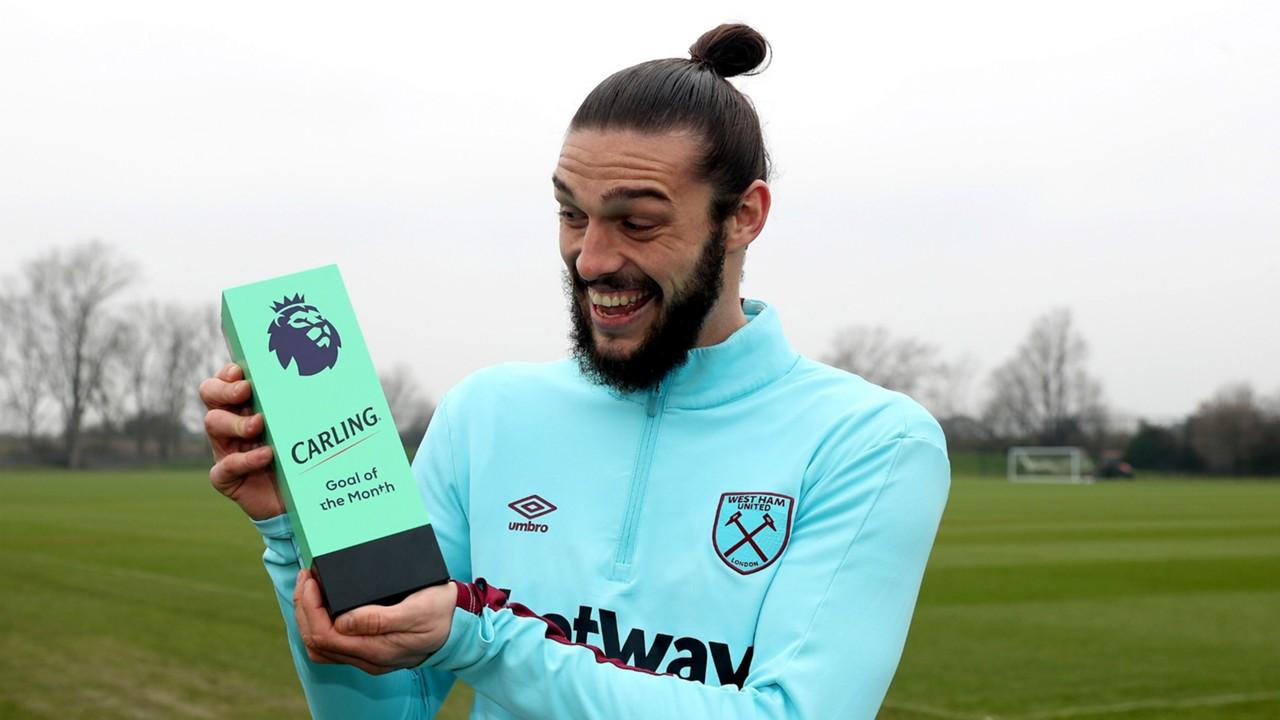 Carroll beats Giroud to Premier League Goal of the Month award