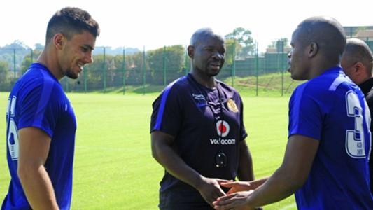 Lorenzo Gordinho, Steve Komphela and Willard Katsande of Kaizer Chiefs