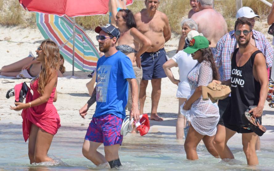 Messi Fabregas Antonella Formentera