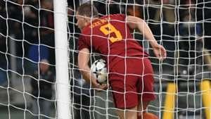 Dzeko Roma Barcelona Champions League