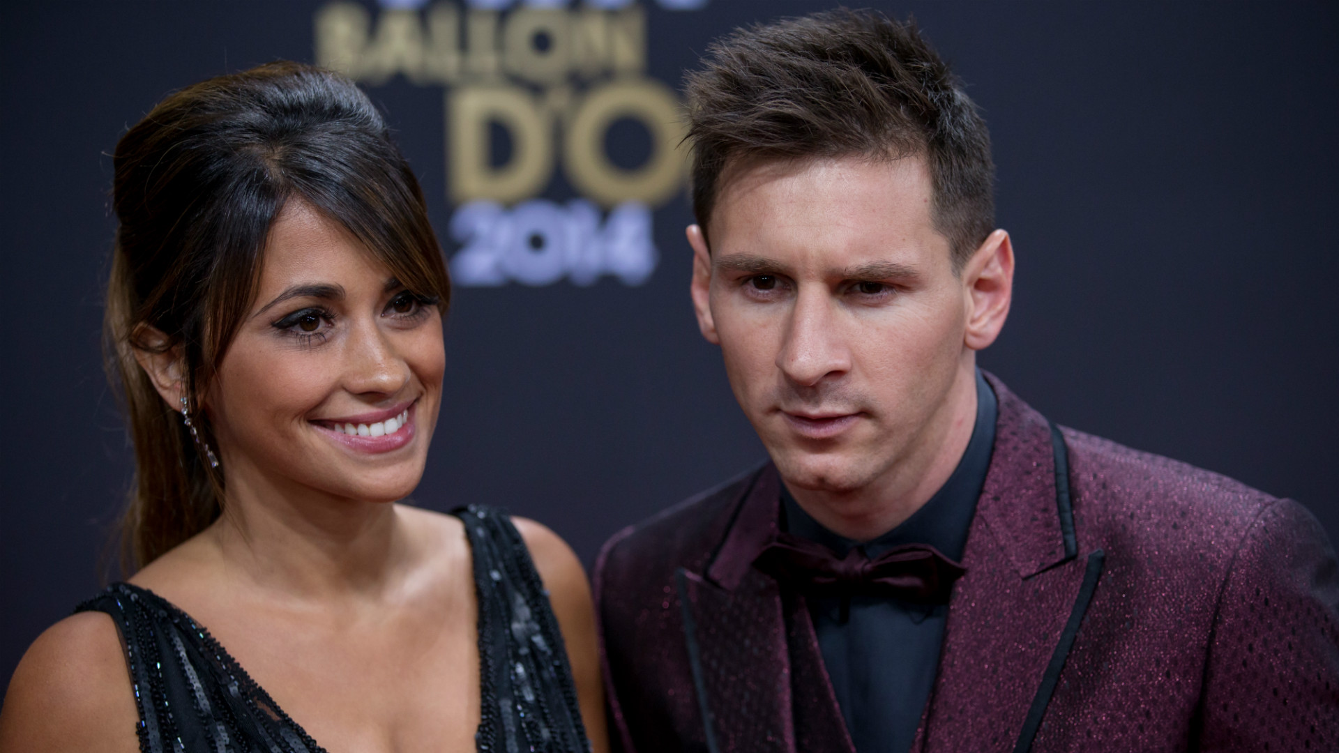 Who is messi dating