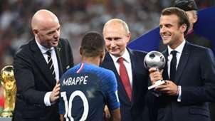Gianni Infantino, Vladimir Putin, Emmanuel Macron