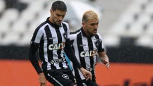 Rodrigo Pimpao Victor Luis Botafogo Atletico-PR Brasileirao Serie A 11112017