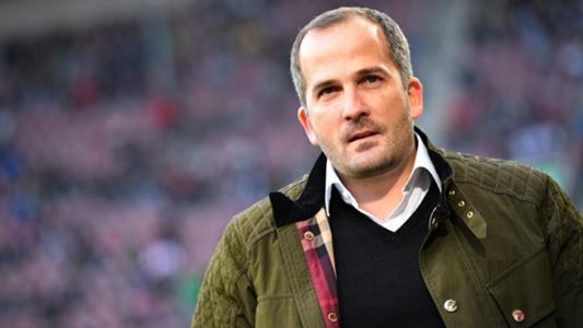 """Augsburg-Trainer Manuel Baum ärgert sich über Martin Hinteregger: """"Weiß nicht, was in seinem Kopf vorgeht"""""""