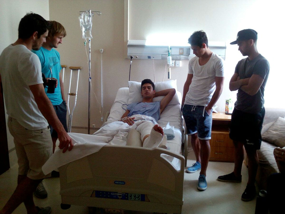 Jugador paraguayo sufre escalofriante fractura en la pierna