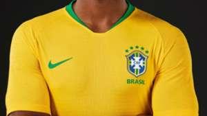 Seleção Brasileira  relembre todas as camisas usadas em Copas do ... e7cbbfec0de