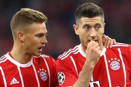 Joshua Kimmich Robert Lewandowski Bayern Munich 11092017