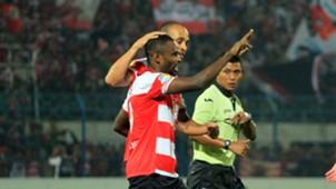 Greg Nwokolo & Peter Odemwingie - Madura United