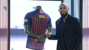 Arturo Vidal Barcelona unveiling