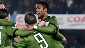 Douglas Costa Chievo Juventus
