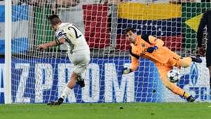 Paulo Dybala Juventus Porto Champions League