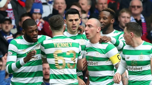 Celtic celebrate vs Rangers