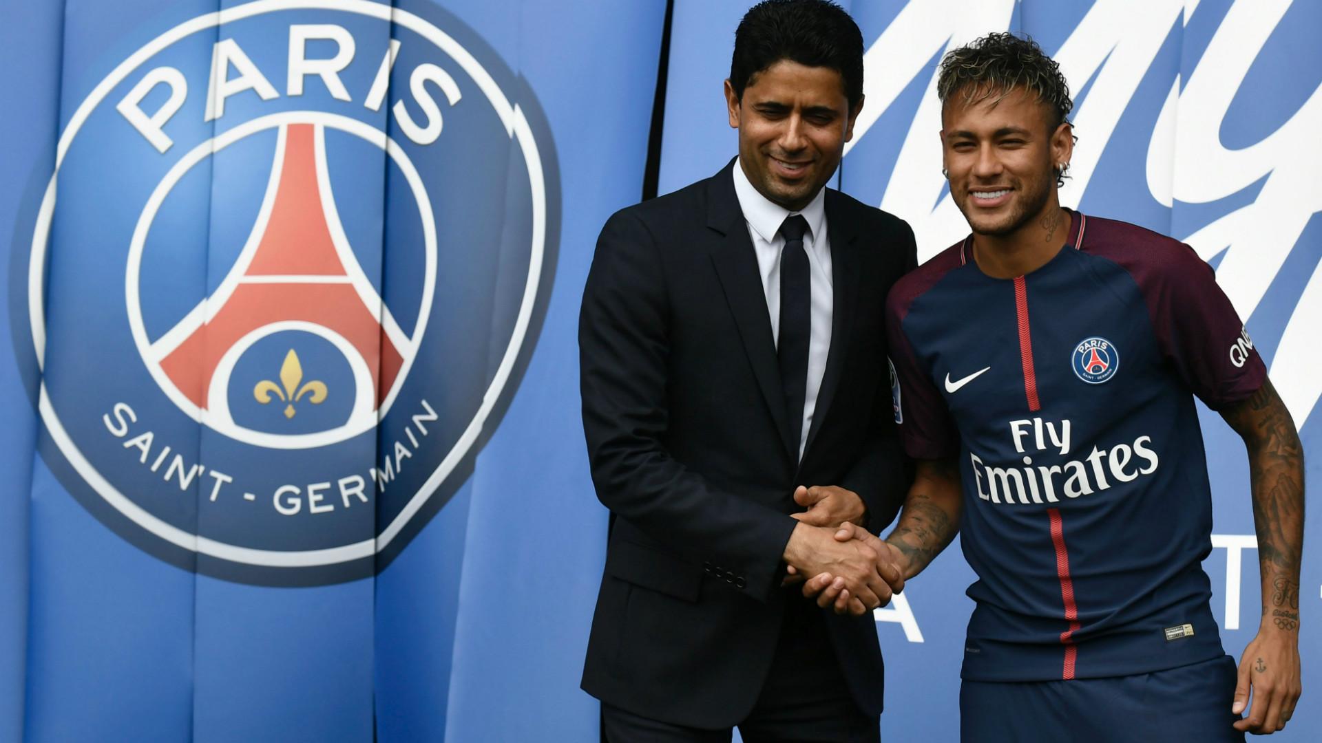 La camiseta de Neymar en el París Saint-Germain  dónde comprar ... 7b3d2fd9306b5