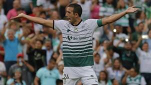 Carlos Izquierdoz Santos 100518