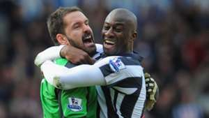 Abdoulaye Meite and Scott Carson of West Bromwich Albion