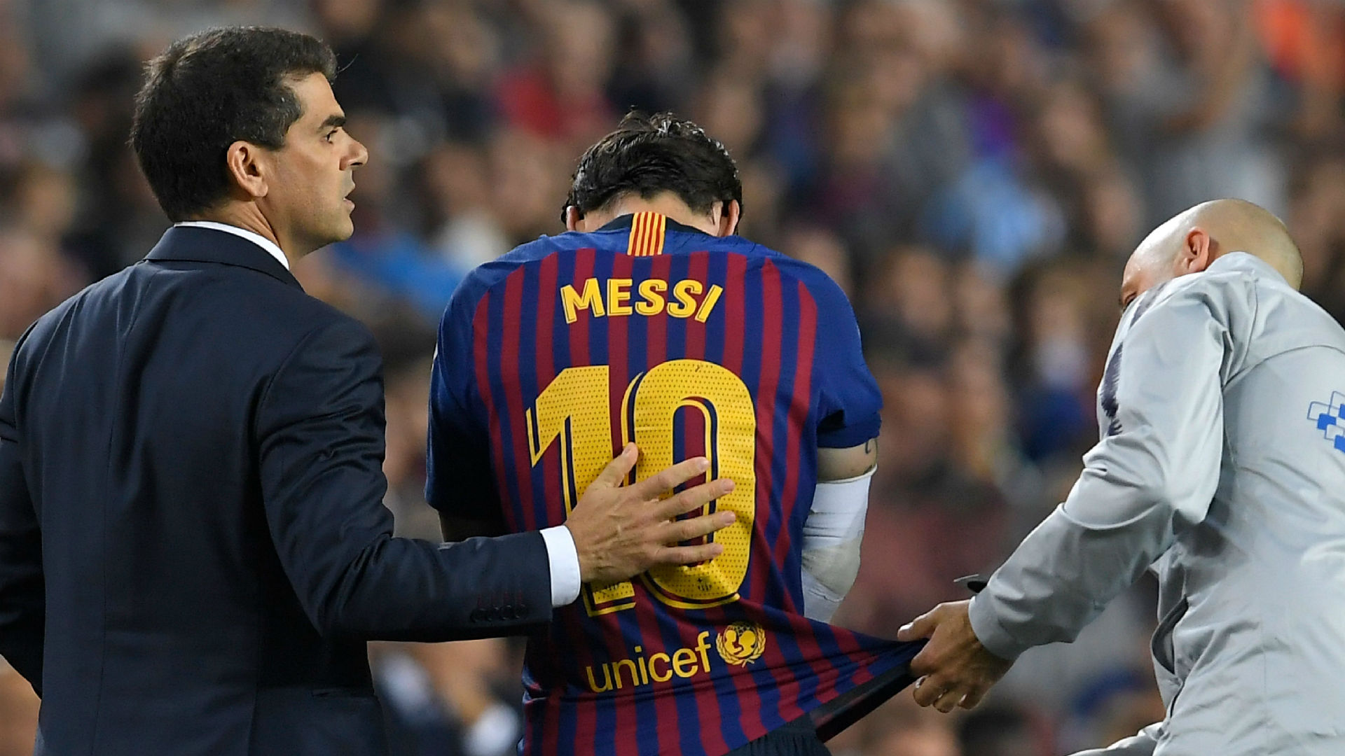 Lionel Messi Barcelona Sevilla injury