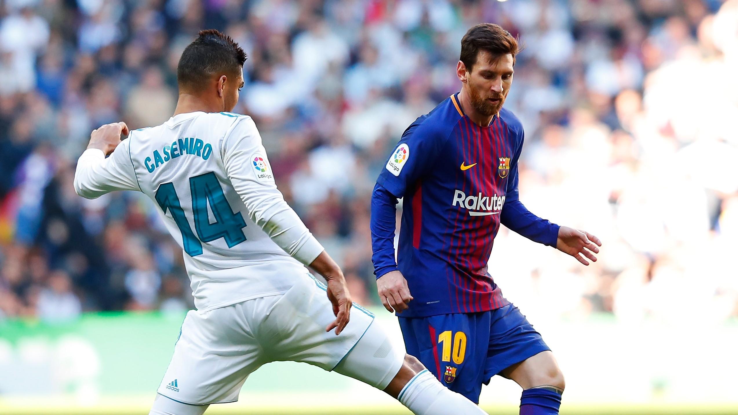 Lionel Messi Casemiro Real Madrid Barcelona El Clásico LaLiga 23122017 b54484af50359