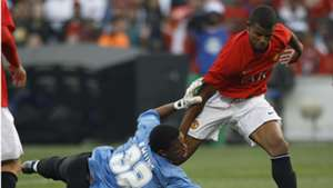 Itumeleng Khune of Kaizer Chiefs and Frazer Campbell of Manchester United