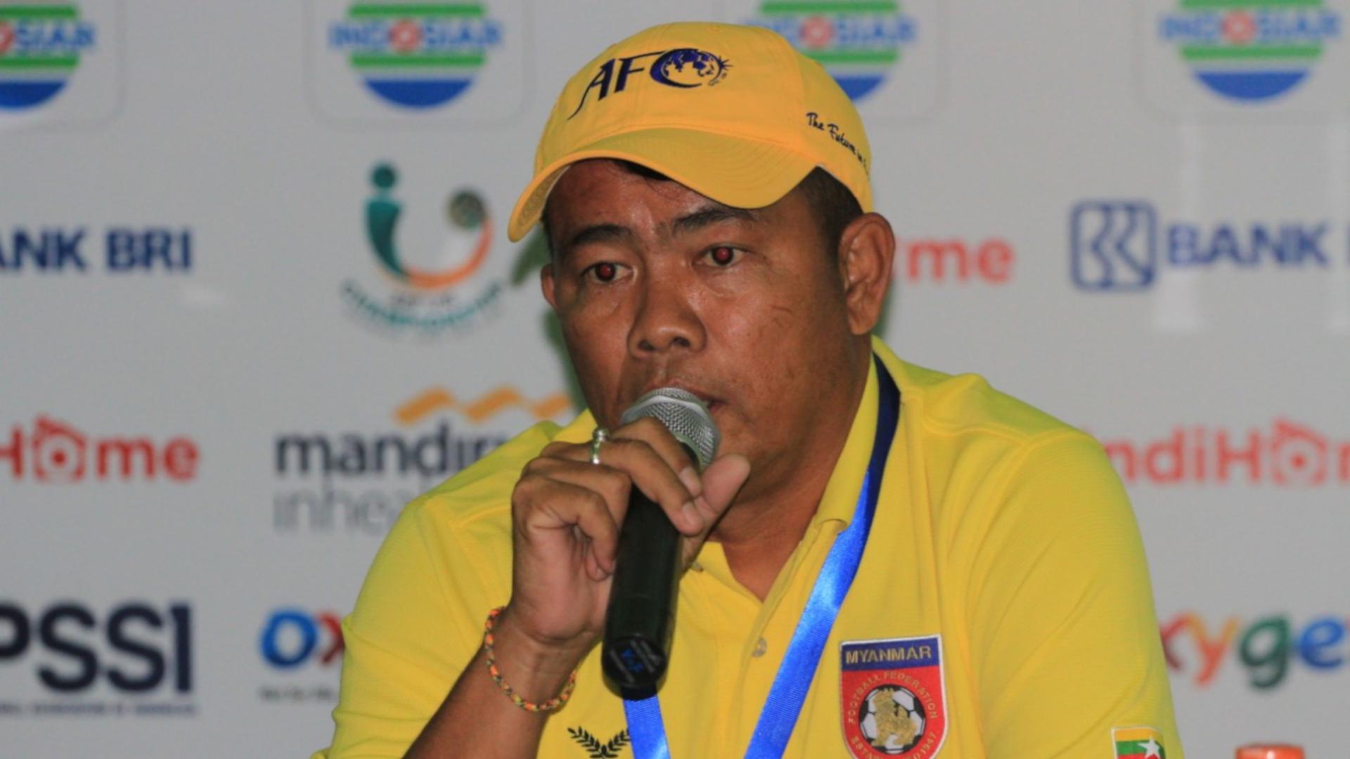 Nyi Nyi Latt - Pelatih Myanmar